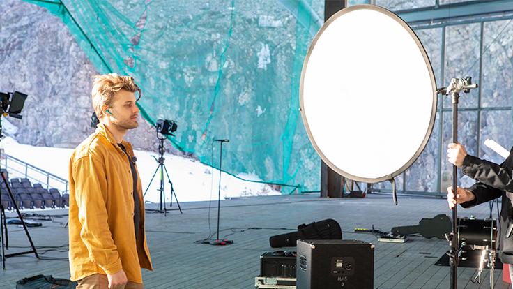 Sandro Cavazza fotografering med Sudio Nio Aurora