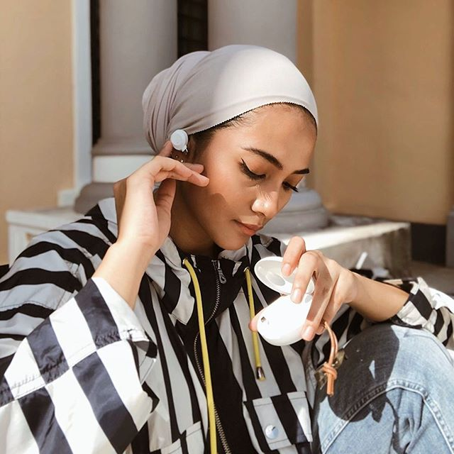Mondays are always better with a sleek pair of Fem! We hope you have another great week ahead ????@nadsyhra #sudio #sudiomoments
