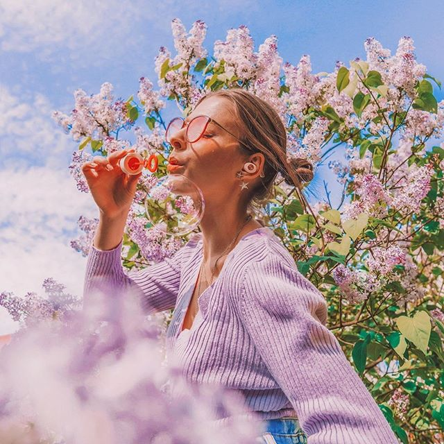 Being surrounded by flowers with Tolv is a perfect way to start a new week???? Here is to another great Monday! @alicjaszczepanska #sudio #sudiomoments
