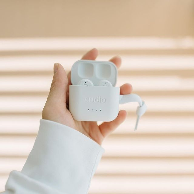 We want to get to know you and see what you're doing with your Sudio products! Show us how you shape your sound with Sudio products using #sudio and #shapingsound for a chance to get featured. Visit our website to find your favorites and local stores @sora_muji_house #ett-white